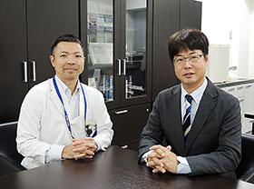 石澤教授(右)、座間味准教授
